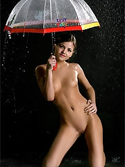 Lara | Drops of Rain
