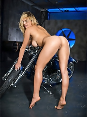 Yaryna | Born to Ride
