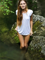Claudia | Girl In Nature